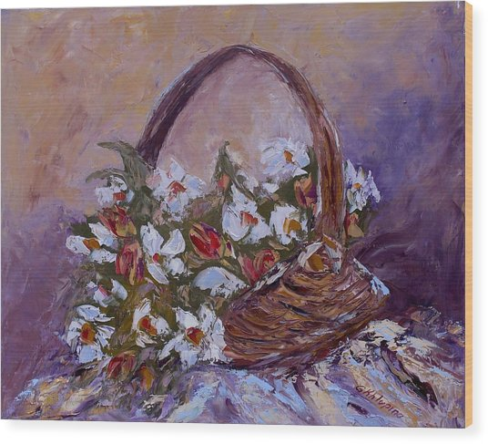 Daisies In The Old Basket Wood Print