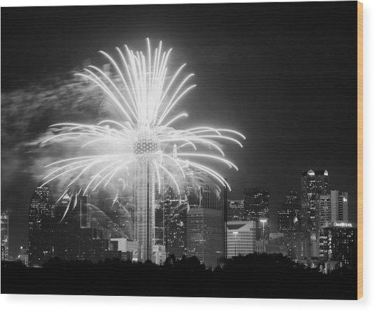 Dallas Reunion Tower Fireworks Bw 2014 Wood Print