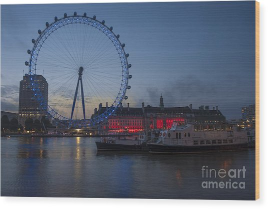Dawn Light At The London Eye Wood Print by Donald Davis