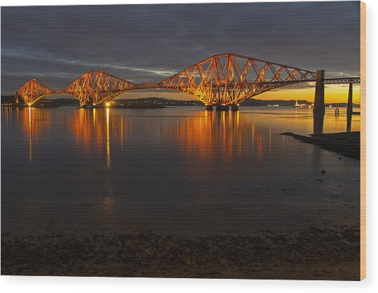 Daybreak At The Forth Bridge Wood Print