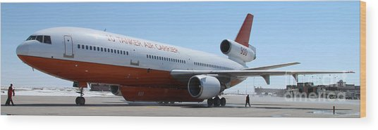 Dc-10 Air Tanker At Rapid City Wood Print