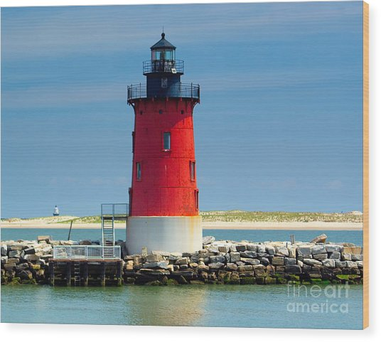Delaware Breakwater Lighthouse Wood Print