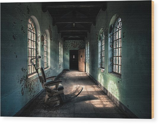 Dentists Chair In The Corridor Wood Print