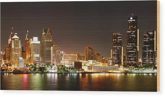 Detroit Skyline At Night-color Wood Print