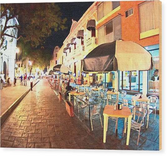 Dining Al Fresco In Merida Wood Print by Mark Tisdale