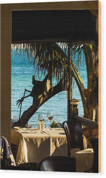 Dining For Two At Louie's Backyard Wood Print