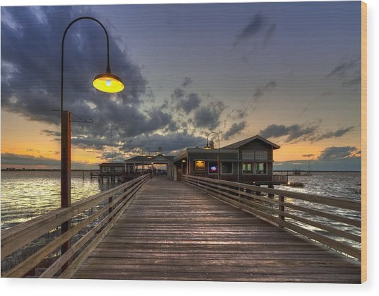 Dock Lights At Jekyll Island Wood Print
