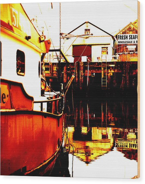 Dock Of The Bay Wood Print by Mamie Gunning