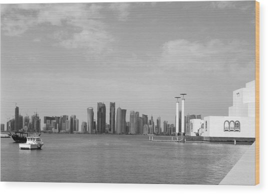 Doha Bay Dec 26 2012 Wood Print by Paul Cowan