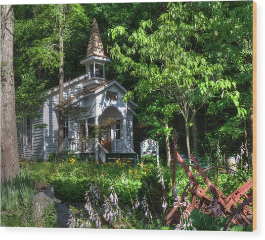 Dollywood Church Wood Print