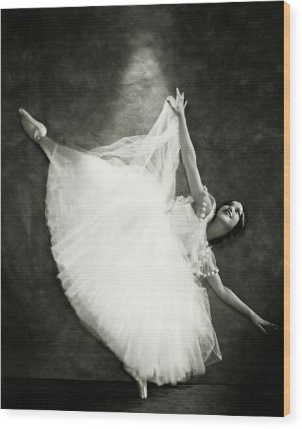 Doris Niles On Pointe Wood Print