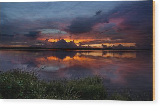 Dramatic Sunset At The Lake Wood Print