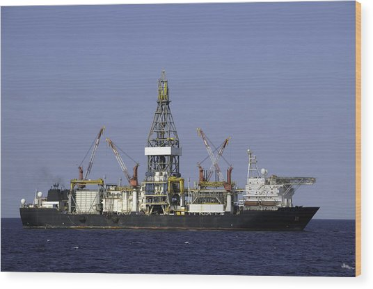 Drill Ship In Blue Ocean Wood Print