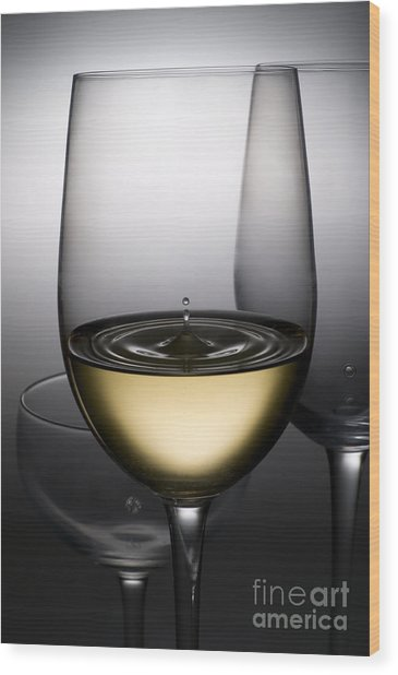 Drops Of Wine In Wine Glasses Wood Print