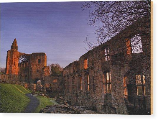 Dunfermline Palace Wood Print