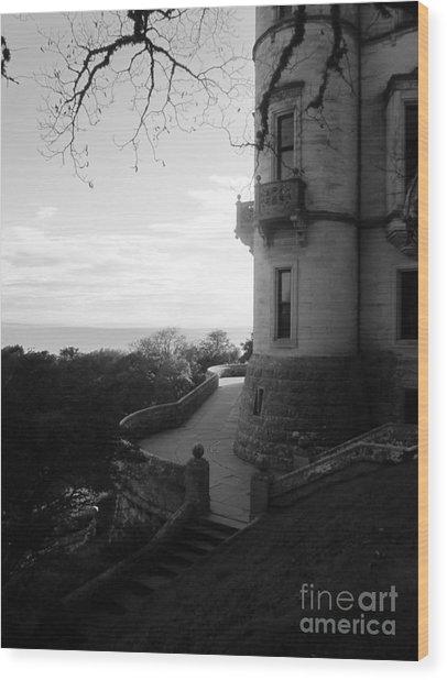 Dunrobin Walkway Wood Print