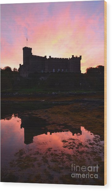 Dunvegan Castle At Dawn Wood Print