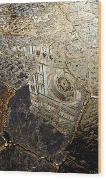 Duomo Reflected In Rain  I I Wood Print