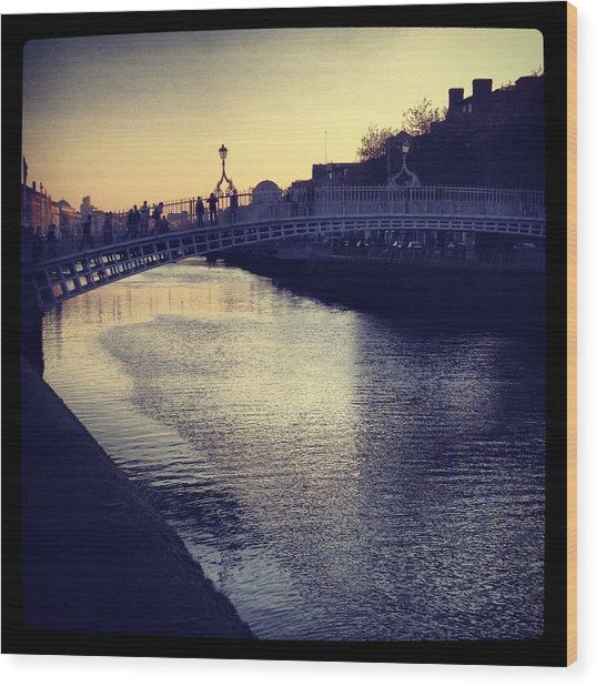 Dusk Haypenny Bridge Dublin Wood Print by Maeve O Connell