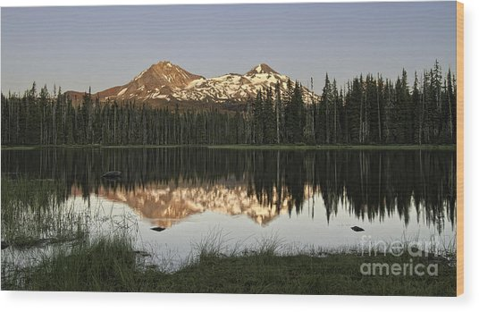 Dusk In The Cascades Wood Print
