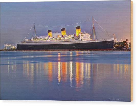 Dusk Light On The Queen Mary Wood Print