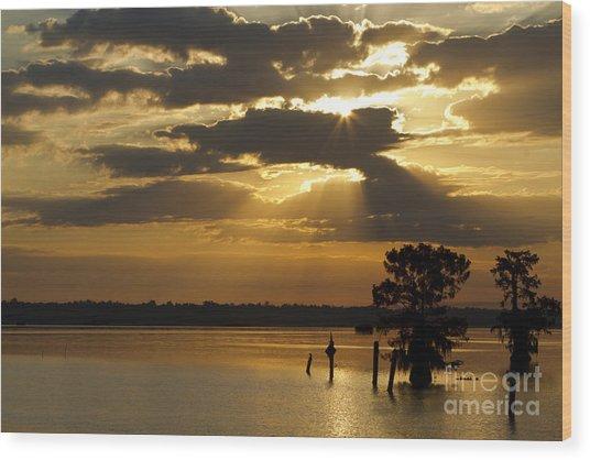 Early Morning Light At Lake Deutrive Wood Print by Kelly Morvant