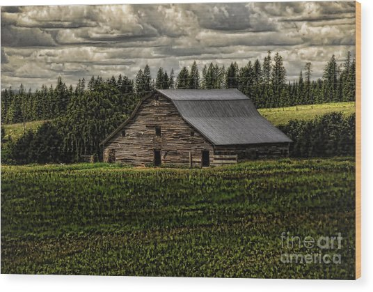 Eastside Road Barn Wood Print