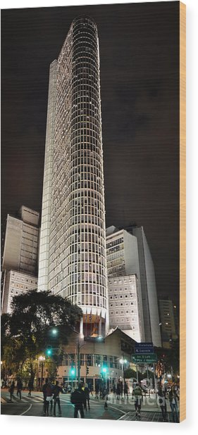 Edificio Italia By Night Wood Print