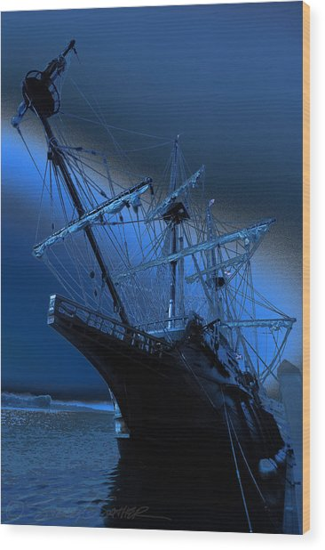 Eerie Light Over El Galeon Wood Print