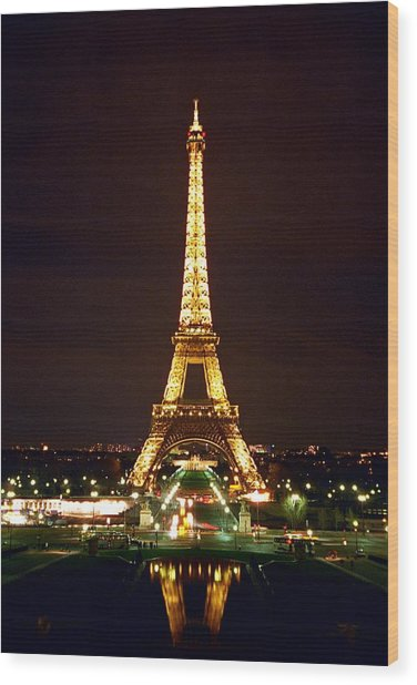 Eiffel Tower In Color Wood Print