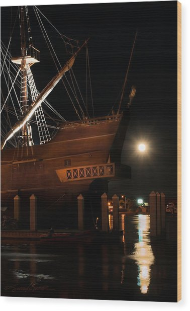 El Galeon Full Moon Rising Wood Print