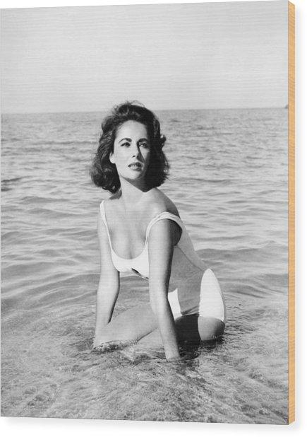 Elizabeth Taylor In Suddenly, Last Summer  Wood Print