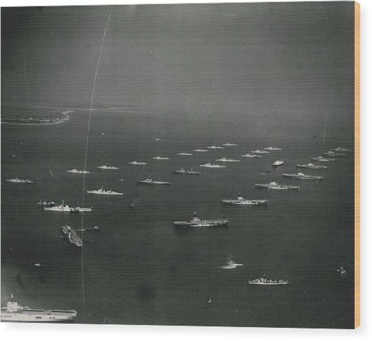Empire�s Warships Line Up For The Coronation Review At Wood Print by Retro Images Archive