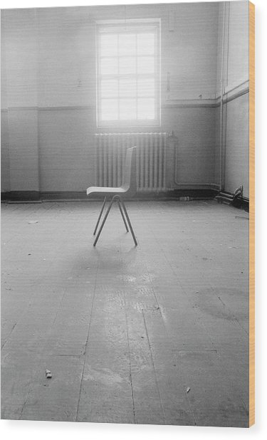 Empty Chair Wood Print by Larry Dunstan/science Photo Library