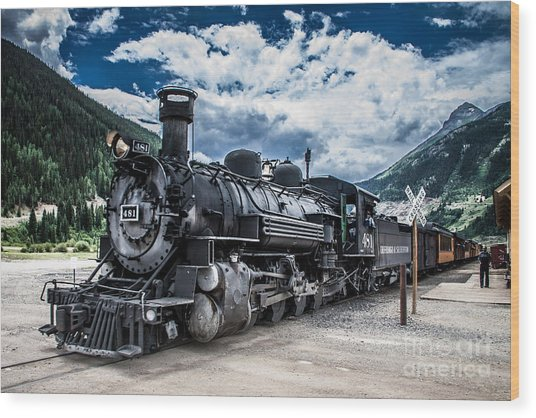 Engine 481 Wood Print