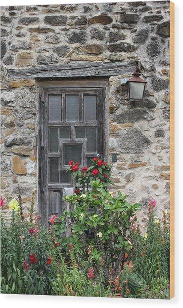 Espada Doorway With Flowers Wood Print