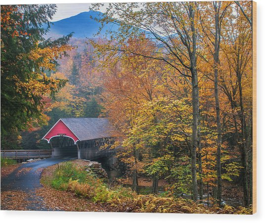 Essence Of New England - New Hampshire Autumn Classic Wood Print