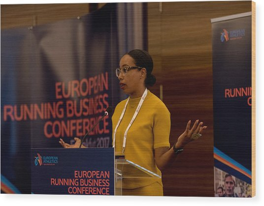 European Running Business Conference Wood Print by Ulrich Roth