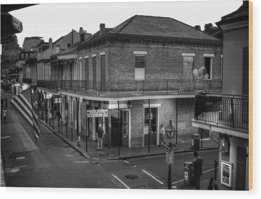 Evening On Bourbon In Black And White Wood Print
