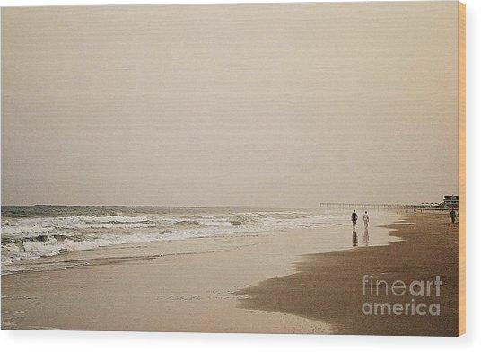 Evening Walk On Wrightsville Beach Wood Print