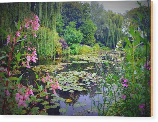 Fairy Tale Pond With Water Lilies And Willow Trees Wood Print