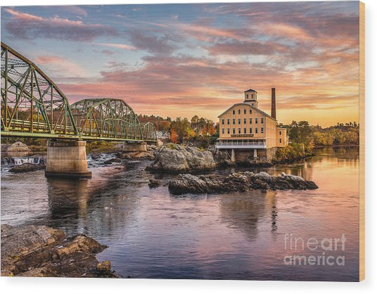 Fall Morning Across From The Bowdoin Mill Wood Print