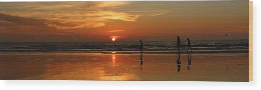 Family Reflections At Sunset - 4 Wood Print