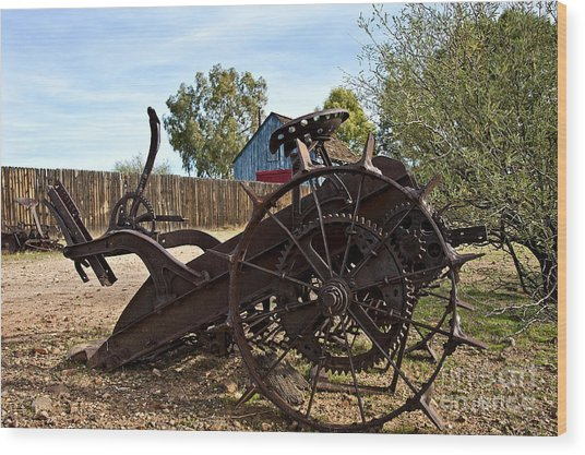 Farming Days Are Done Wood Print by Lee Craig