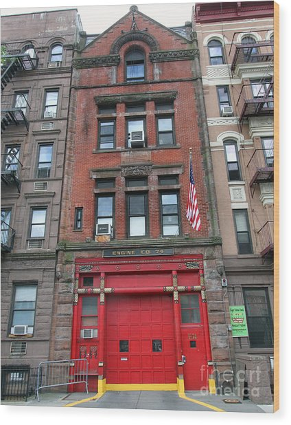 Fdny Engine 74 Firehouse Wood Print