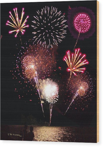 Fireworks At St. Albans Bay Wood Print
