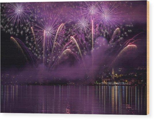 Fireworks Lake Pusiano Wood Print by Roberto Marini