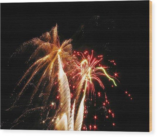 Fireworks On Display Wood Print by Steven Parker