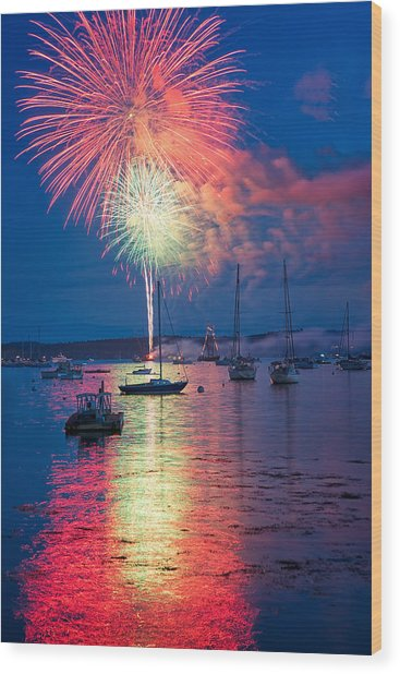Fireworks Over Boothbay Harbor Wood Print