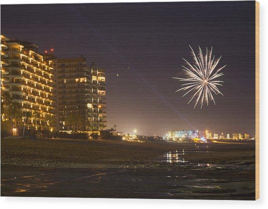 Fireworks  Wood Print by Wendi Curtis